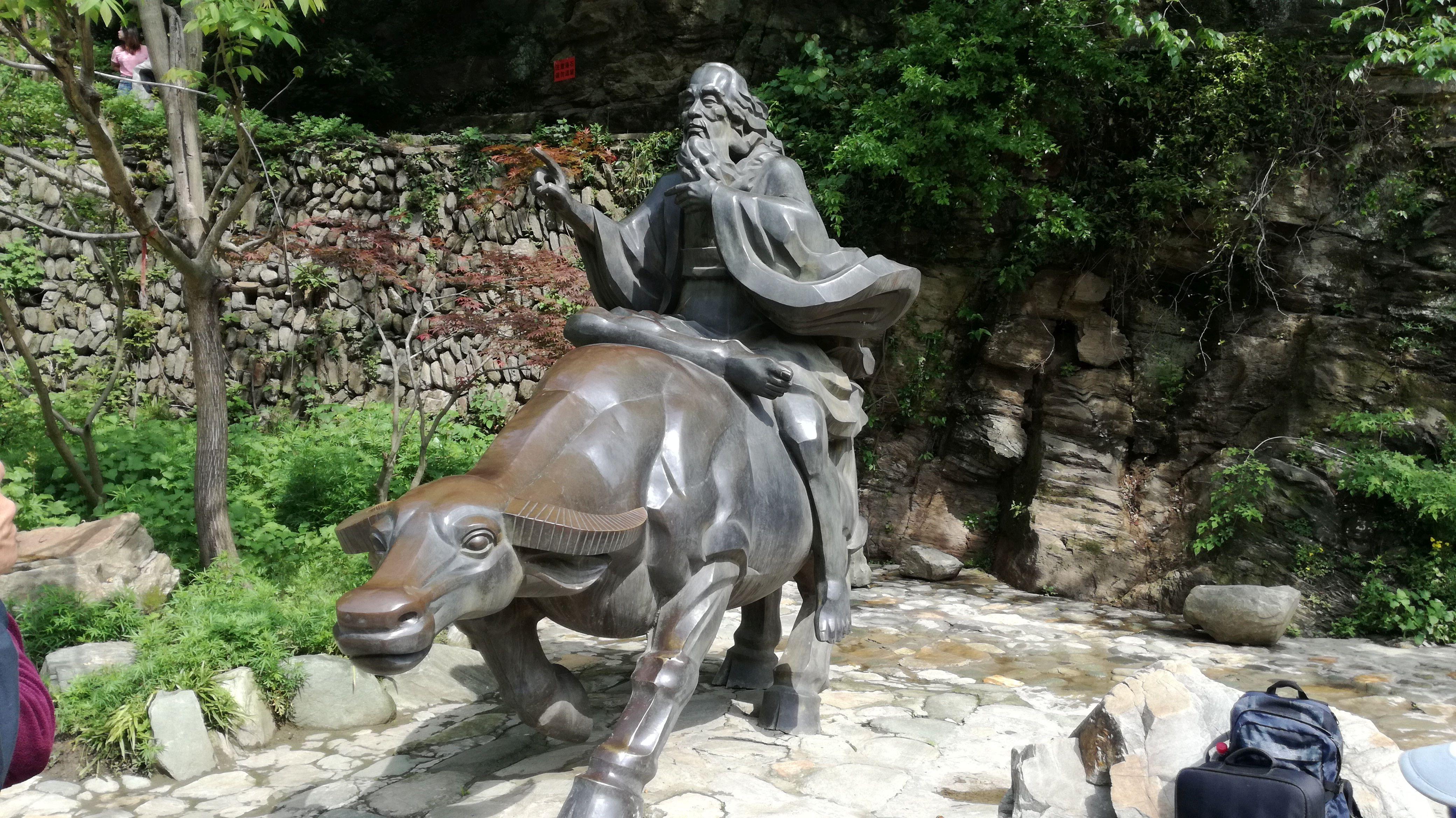 statue-sacrée-wudang